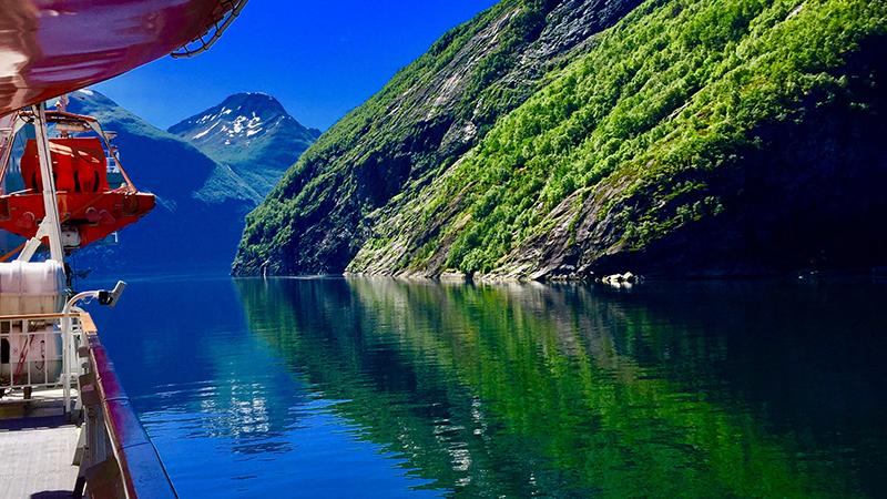 Norska fjordar med Hurtigruten